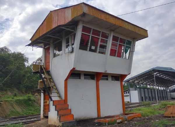 Rumah Sinyal kereta api