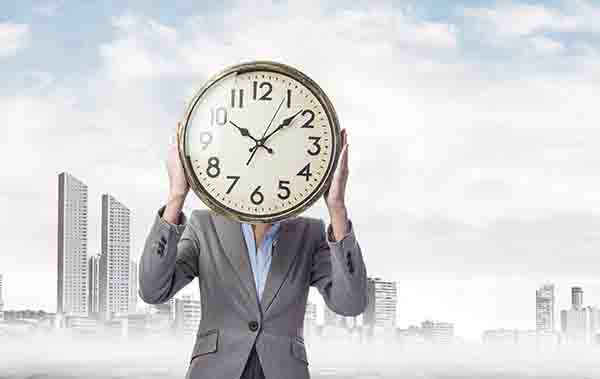 Kerja terus sampai lupa waktu dan pola hidup sehat